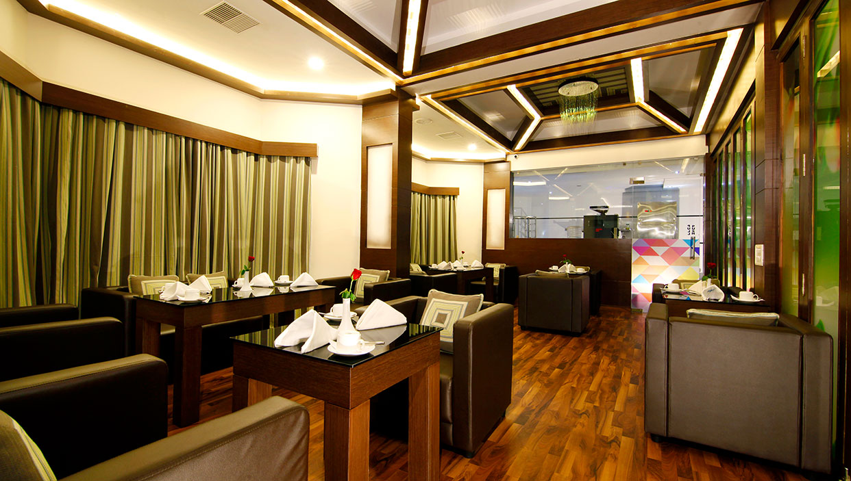 Restaurant in hotels in kannur near railway station